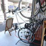 自転車を立てて収納できるお手頃ラック Velolineディスプレースタンド