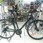 旬なクロスバイクはコレ 太目タイヤ+油圧ディスク スコットSUBクロスJ1