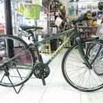 身長150cmくらいから乗れる700cクロスバイク コラテックのシェイプアーバンスポーツ